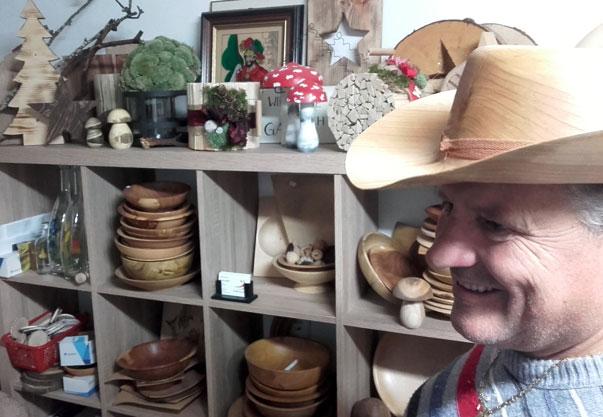 Pum Josef in seinem Shop