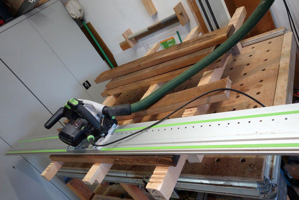 Da das Lärchenholz zuwenig wurde, musste ich es mit Akazienholz ergänzen