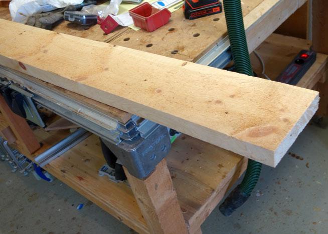 Ausgesuchter Pfosten aus Zirbenholz mit einer Stärke von 42mm