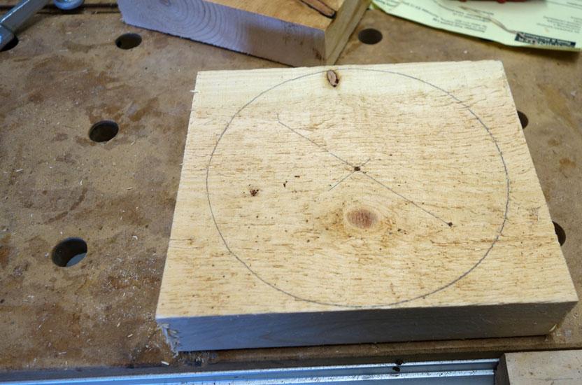Mittelpunkt und Kreis angezeichnet