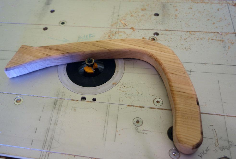 Die Ecken werden abgerundet (R=5mm)