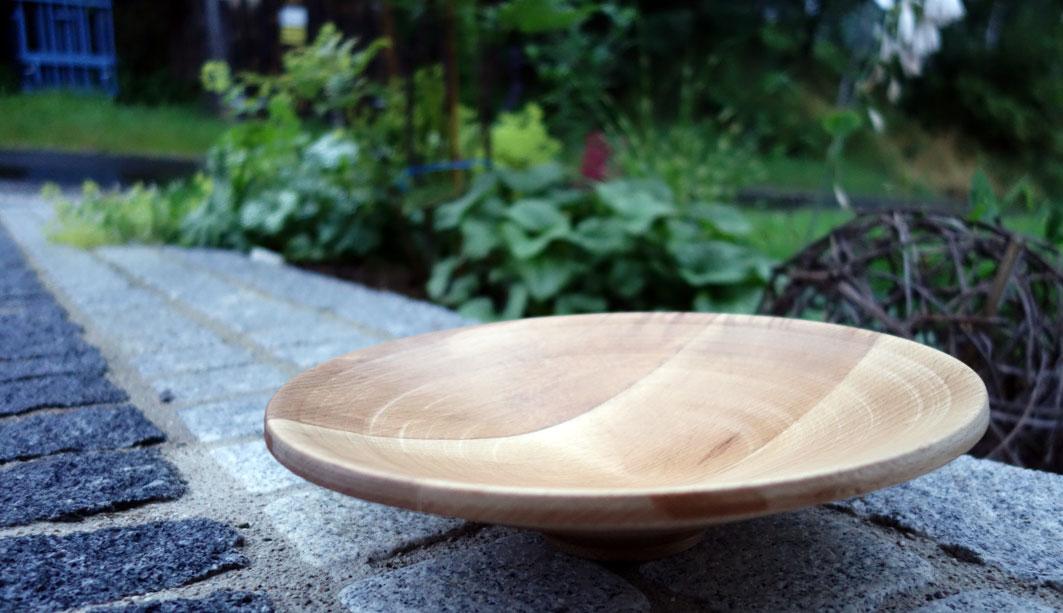 Mit Leinöl geölte Schale aus verleimten Buchenholz