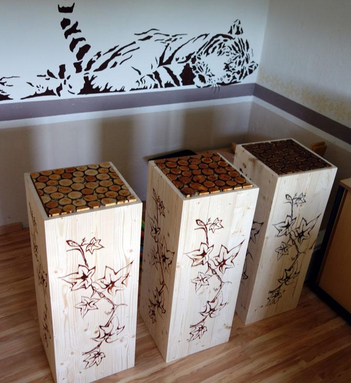 Holzsäulen warten auf ihre neuen Empfänger :)