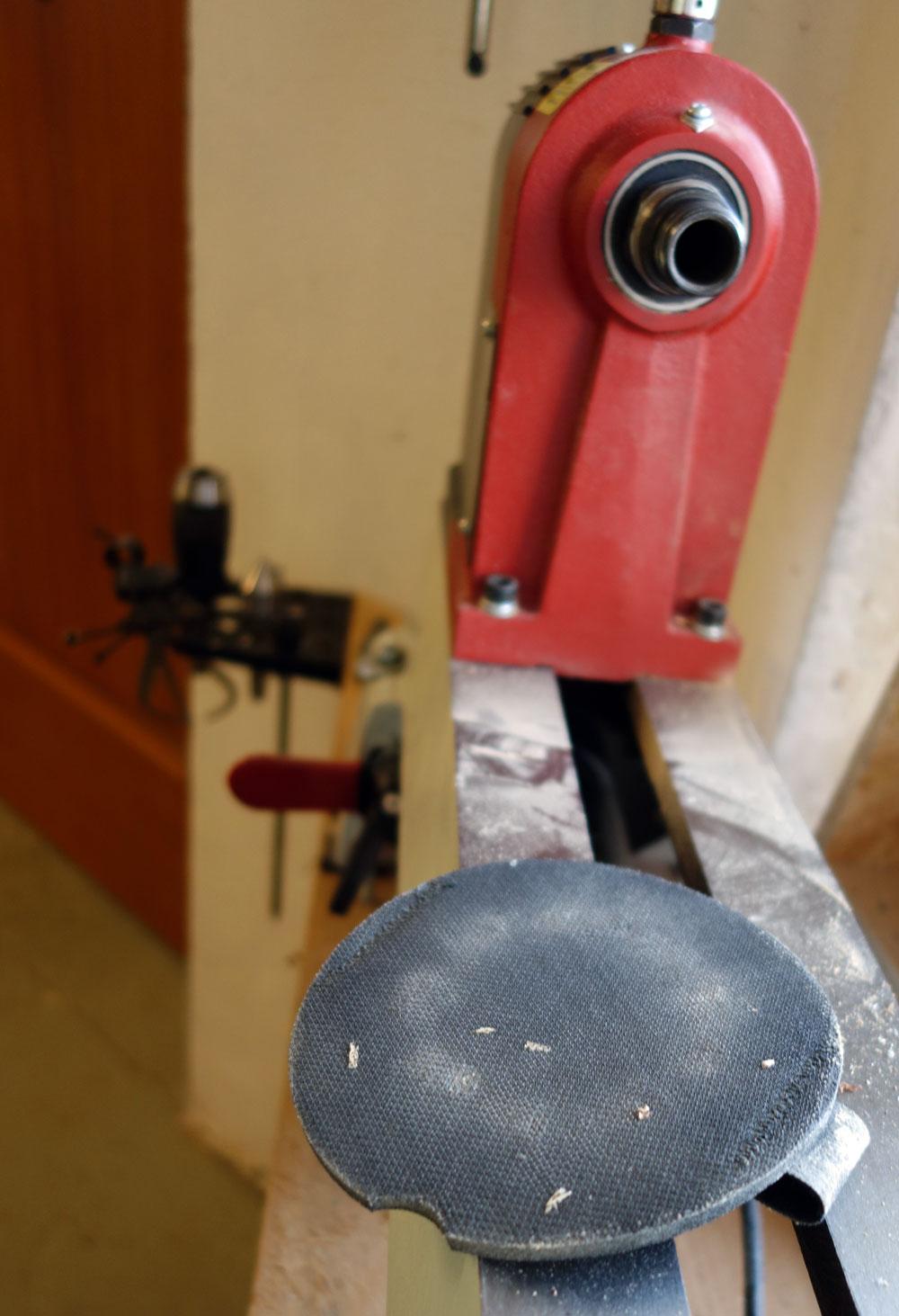Handschleifteller mit verstellbarer Handschlaufe für Klett Schleifscheiben