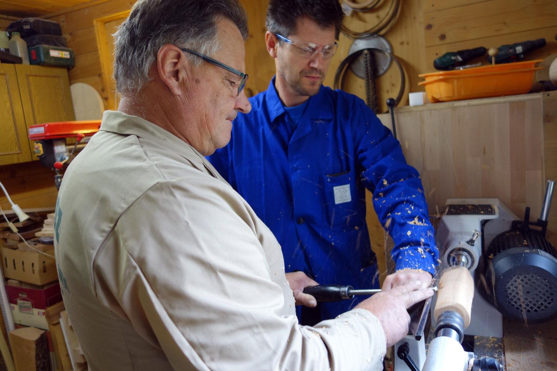Richte Hand- und. Werkzeughaltung will gezeigt werden