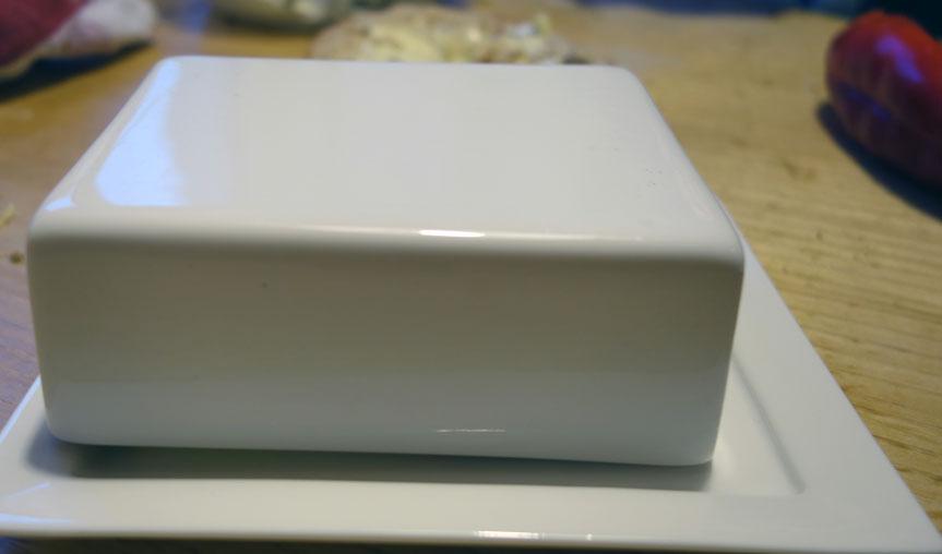 Der Deckel ist zu klein für eine österreichische Butter :(
