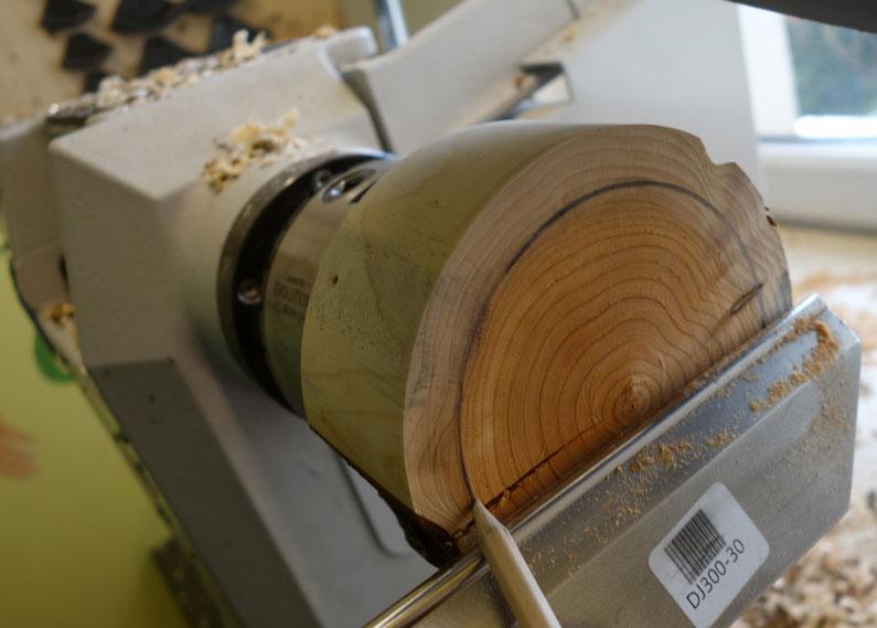 Auf der Unterseite soll ein Rand von ca. 10mm für einen guten Stand sorgen