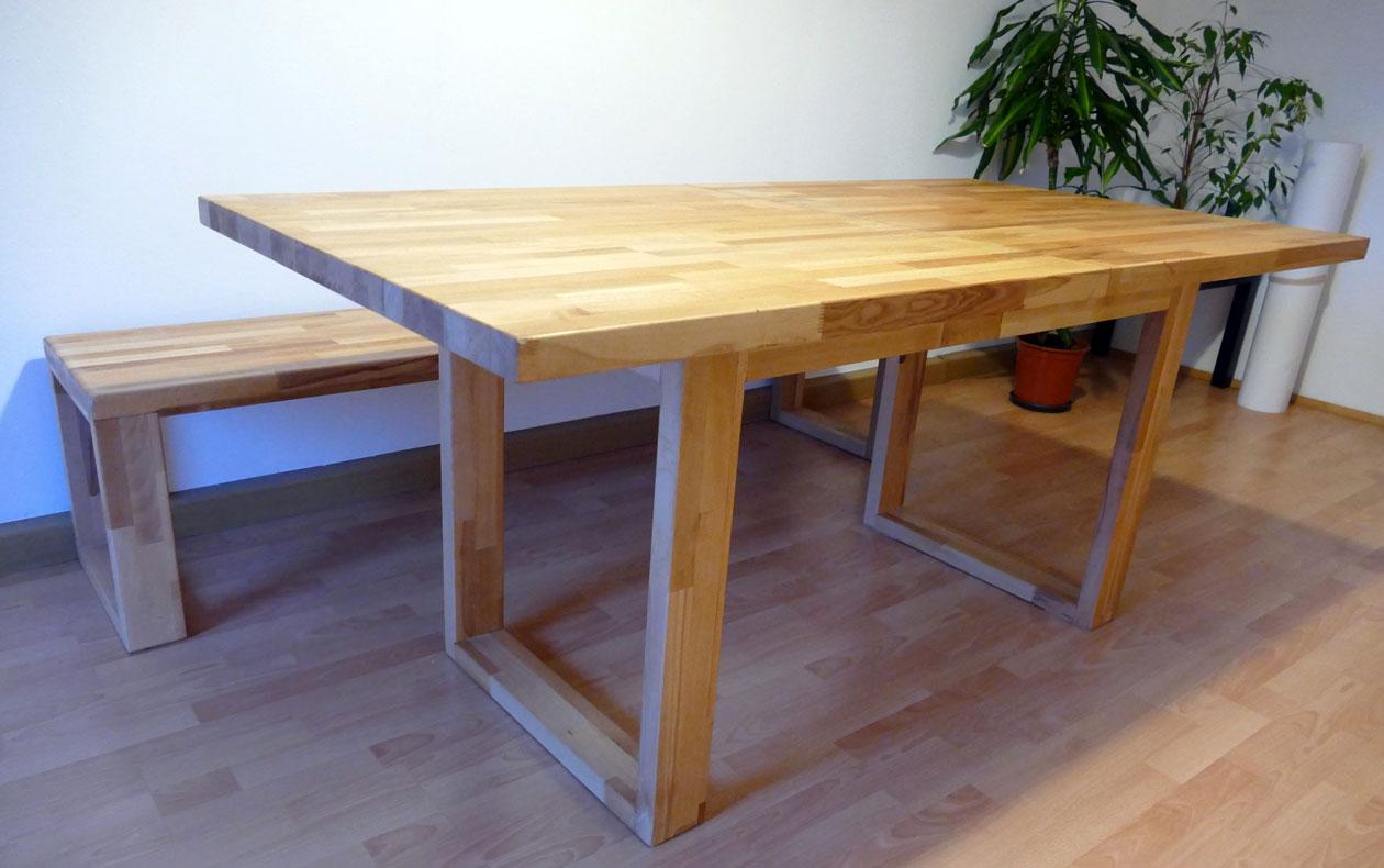 Erweiterbarer Esszimmertisch mit Sitzbank