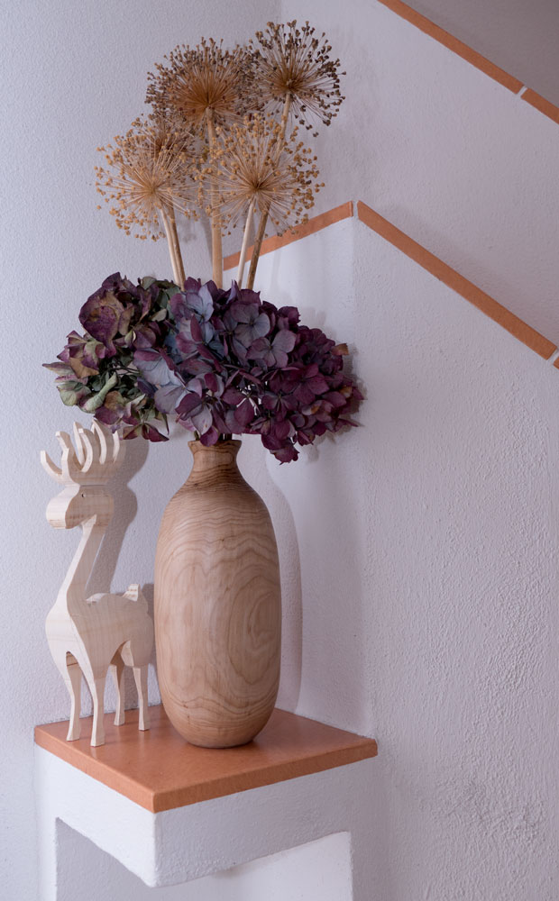 Vase aus Eberesche