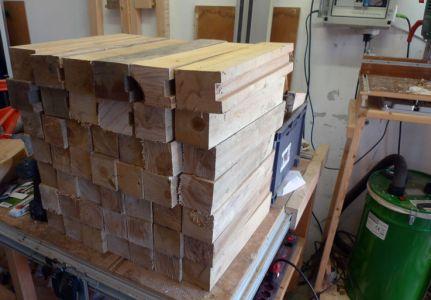 Ausgesuchte Rohlinge aus Buche, die als Brennholz gedacht waren