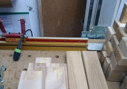 Vorhandene Schadstellen wurden mit Holzkitt ausgebessert
