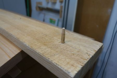 Holzdübel einleimen