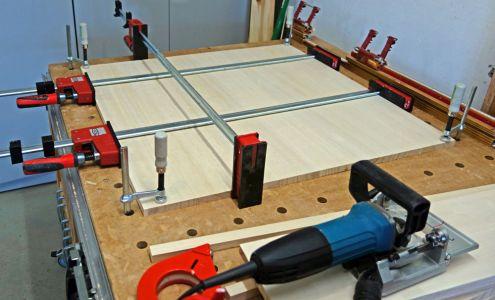 Vergrößerte Bodenplatte zusammenleimen