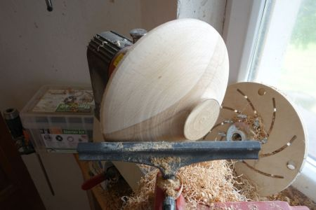 Fertig mit der Schalenröhre gedrehte Unterseite