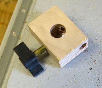 Sicherungsschrauben im Stifthalteblock reingedreht