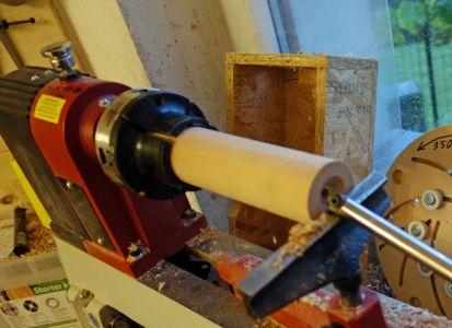 Mittels Taschenstahl das Rohr aushöhlen