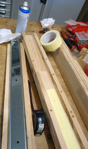 Auszüge nach dem Entfetten mittels doppelseitigem Klebeband aufgebracht