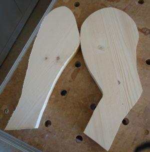 Zweites ausgeschnittene Paar an Vorder- und Hinterfüße, welches vom ersten Paar abkopiert wurde