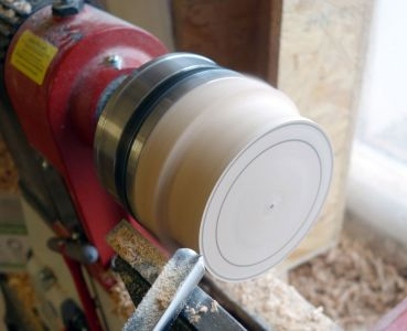 Aussendurchmesser mit der Schüsselröhre abgedrechselt