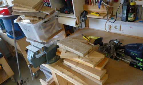 Da fällt auch genug Brennholz für den Kachelofen an.