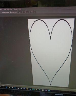 Ein Herz, gezeichnet auf dem Computer, soll als Schablone dienen