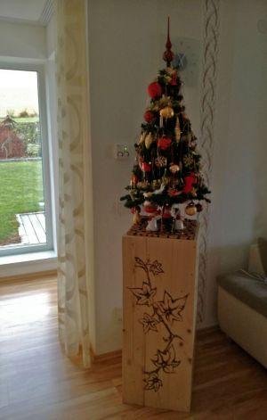 Holzsäule als Christbaumuntersetzer :)
