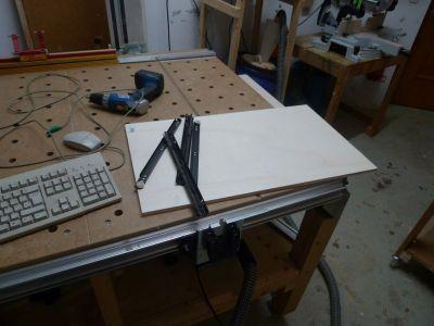 Ausziehlade für Tastatur und Maus