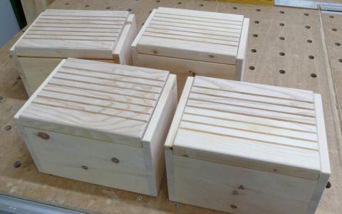 Fertige Brotdosen aus Zirbenholz