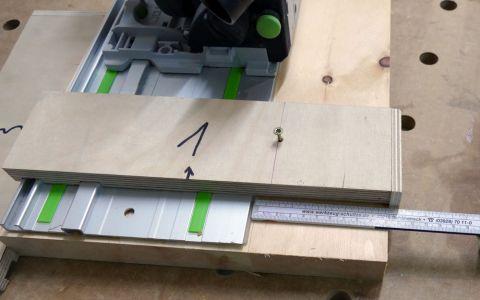 Nachkontrolle ob eh die fertige Holzleiste 100mm aufweist