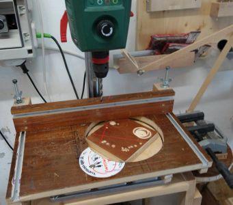 sBohrtischständer-Runde-Unterlage-Zusammenbau-1