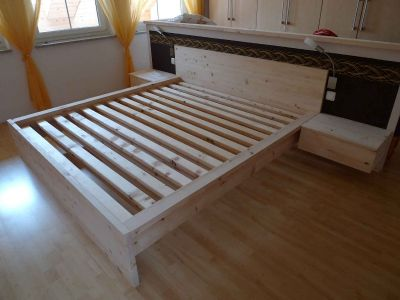 Doppelbett aus Zirbenholz ohne Metallverbindungen